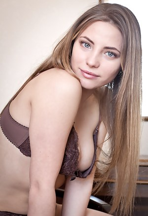 Free Teen Bra Porn Pictures