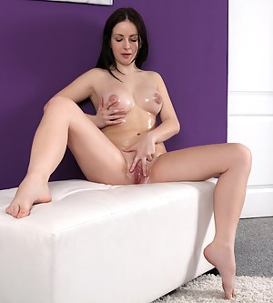 Free Oiled Teen Porn Pictures
